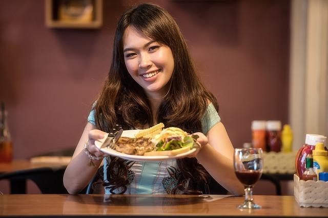 vietnamka s obědem