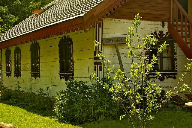 staré dřevěné stavení